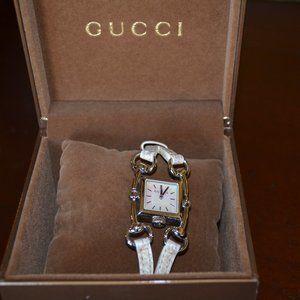 Women's Gucci Signoria Watch YA116504